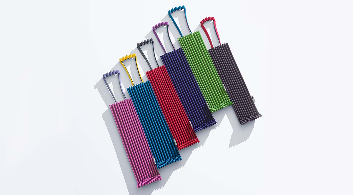 me ISSEY MIYAKE MIX COLOR TRUNK PLEATS BAG